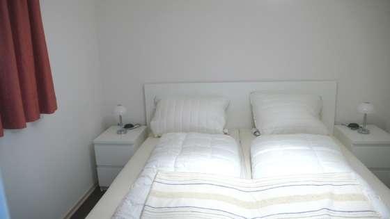 Schlafzimmer_Fewo-Schillighoern-2-Whg.-20